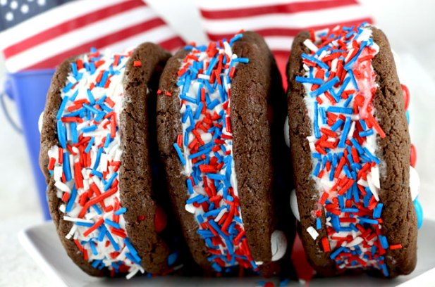 patriotic-ice-cream-sandwiches